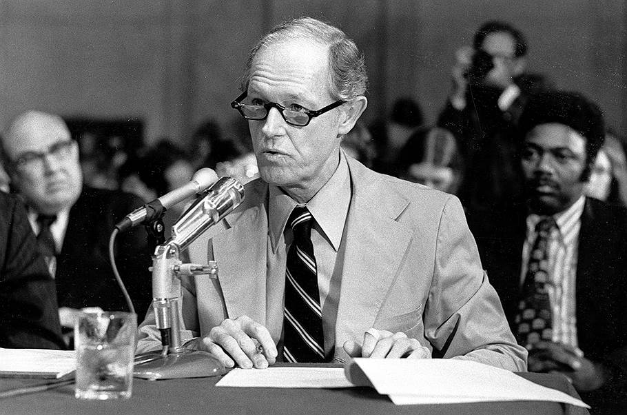 e howard hunt watergate hearings 1973